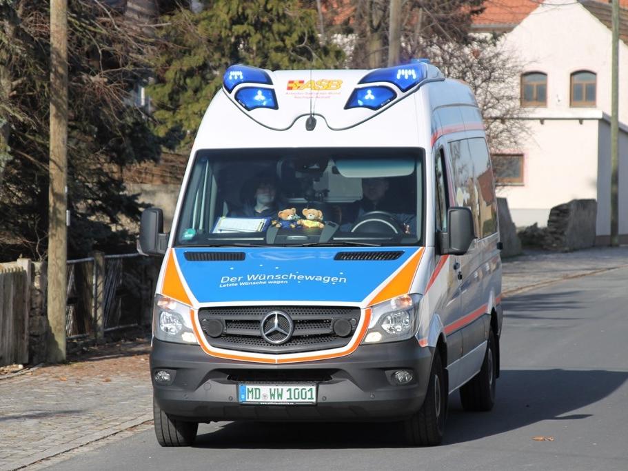 Wuenschewagen-Sachsen-Anhalt-Diamentene_Hochzeit-Letzte-Wuensche-wagen-3.jpg
